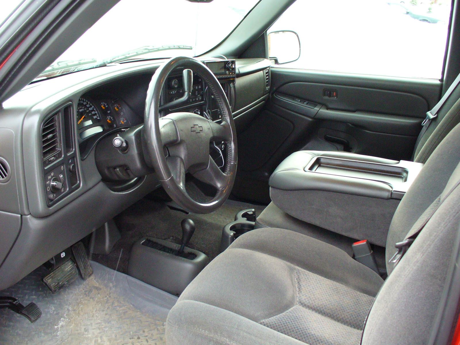 2004 Chevy Silverado Interior