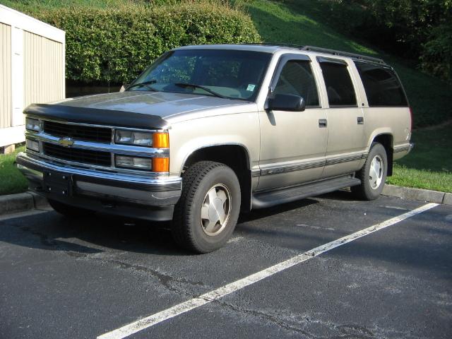 1999 Chevrolet Suburban 4 Dr K1500 4WD SUV picture