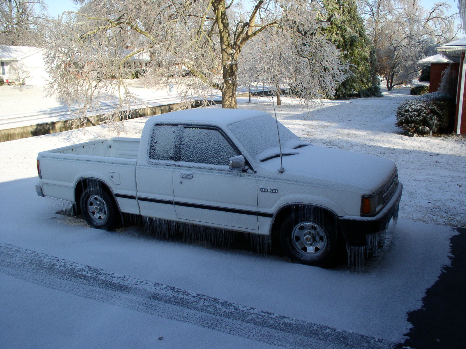 Picture of 1986 Mazda B2000, exterior