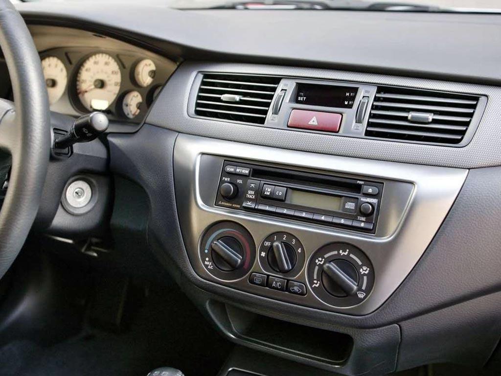 2006 Mitsubishi Lancer Interior Pictures Cargurus