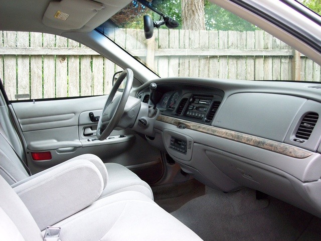 1999 ford crown victoria interior pictures cargurus. Black Bedroom Furniture Sets. Home Design Ideas