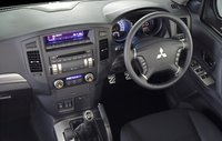 Picture of 2006 Mitsubishi Montero Limited 4WD, interior