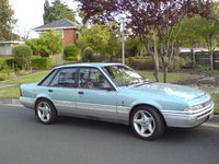 Picture of 1988 Holden Calais, exterior