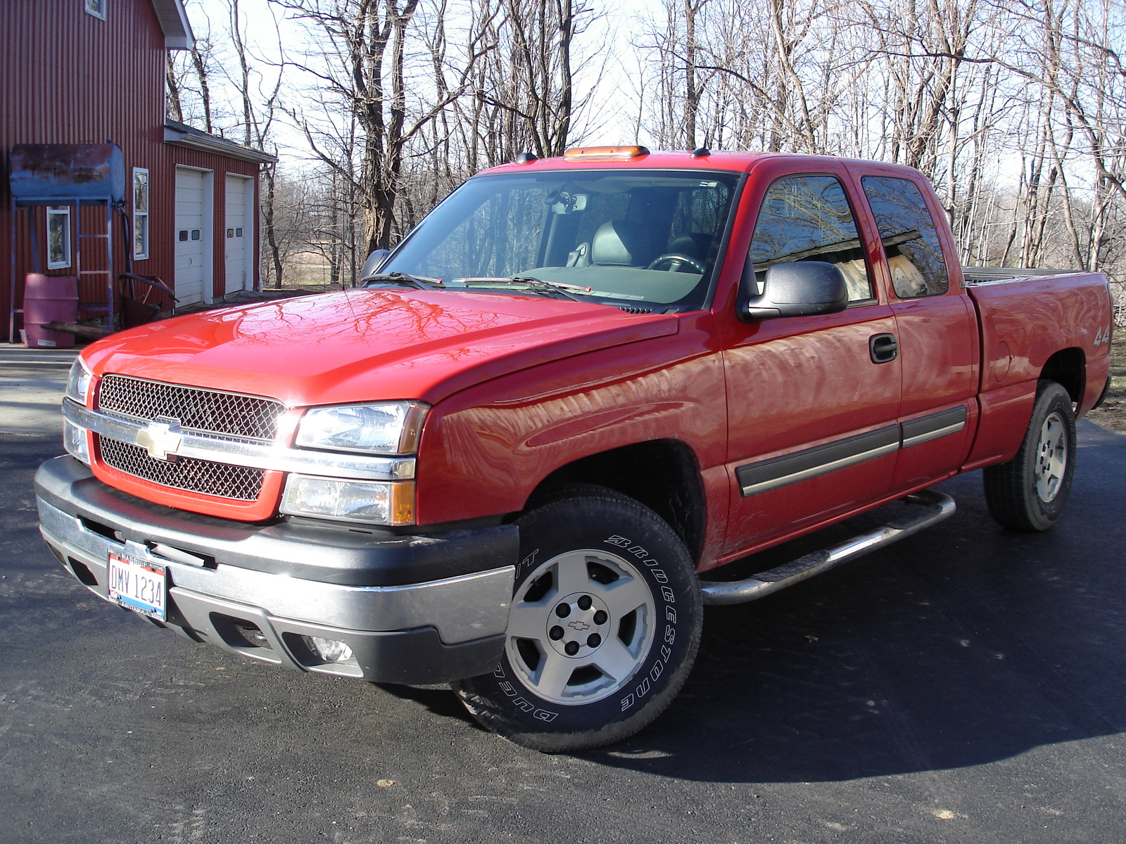 2004 Chevrolet Silverado 1500 LT Ext Cab Short Bed 4WD picture