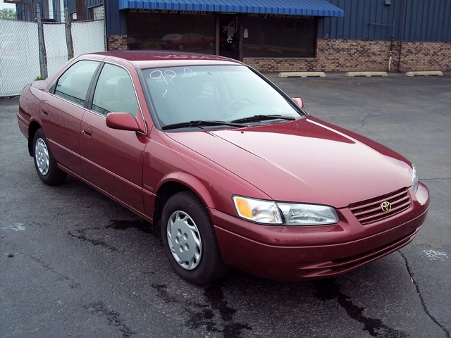 Picture of 1998 Toyota Camry LE