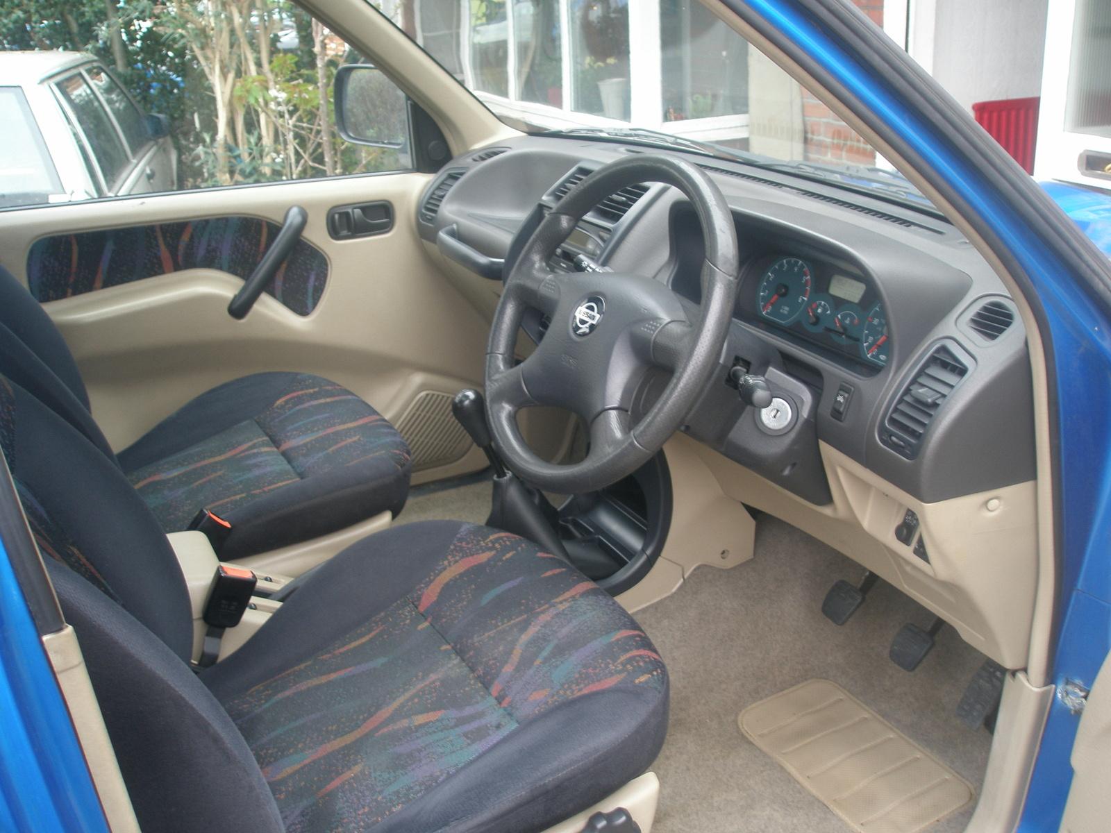 2001 Nissan Terrano II picture, interior