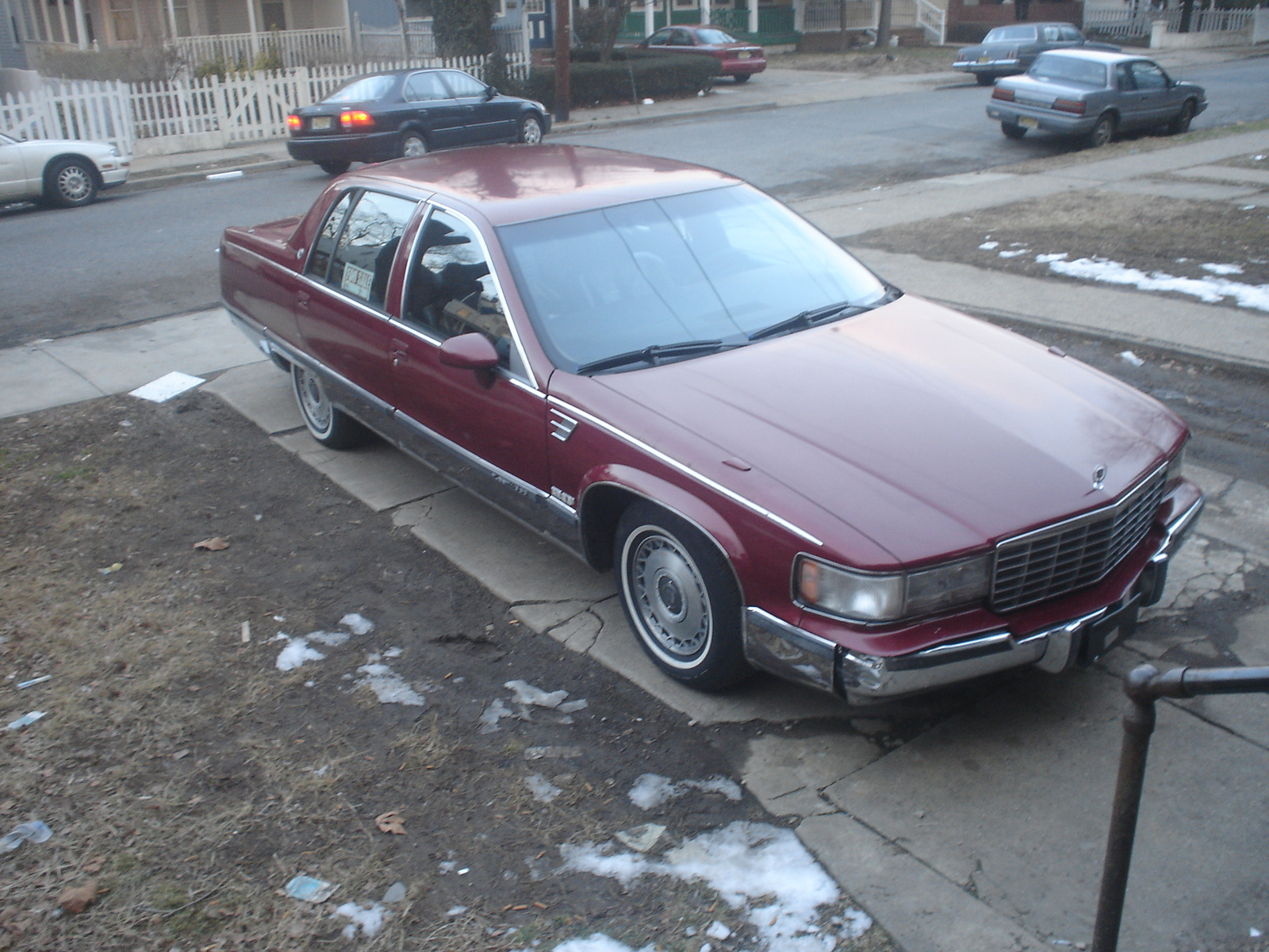 picture of 1994 cadillac fleetwood base sedan exterior. Cars Review. Best American Auto & Cars Review