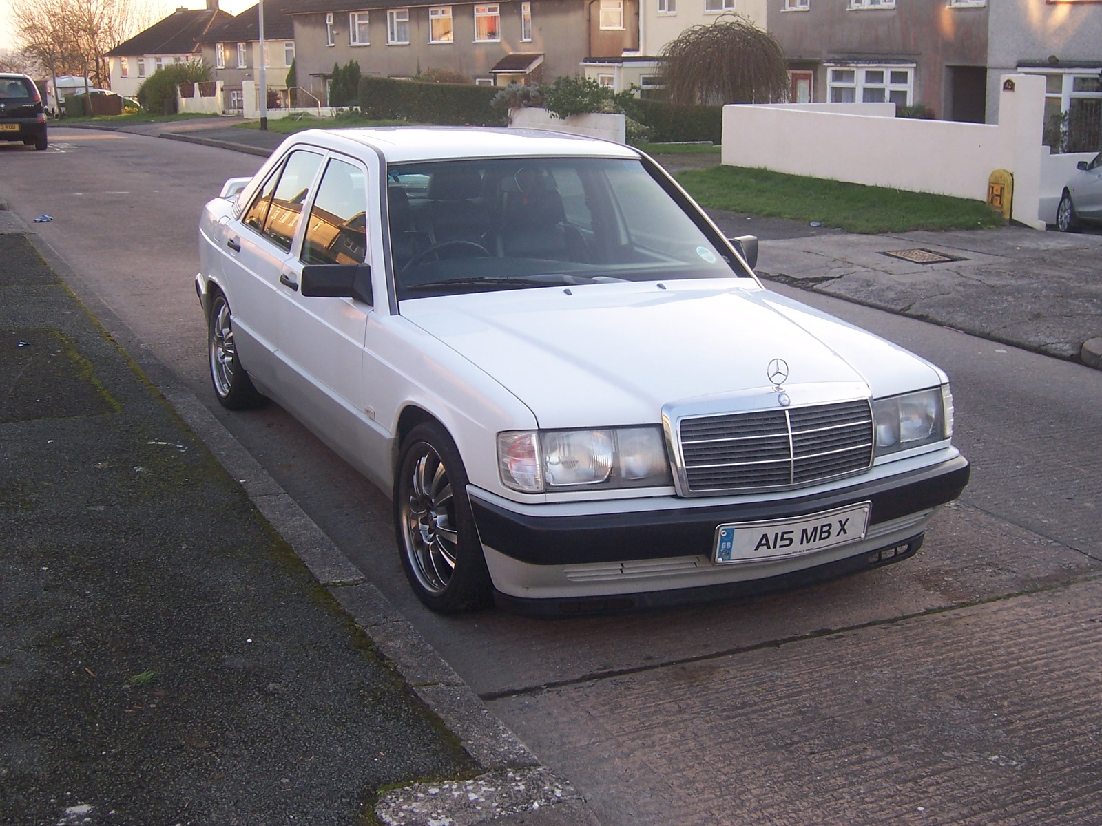 1990 mercedes benz 190 class specifications cargurus for Looking for mercedes benz for sale