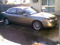 Picture of 2000 Holden Statesman, exterior