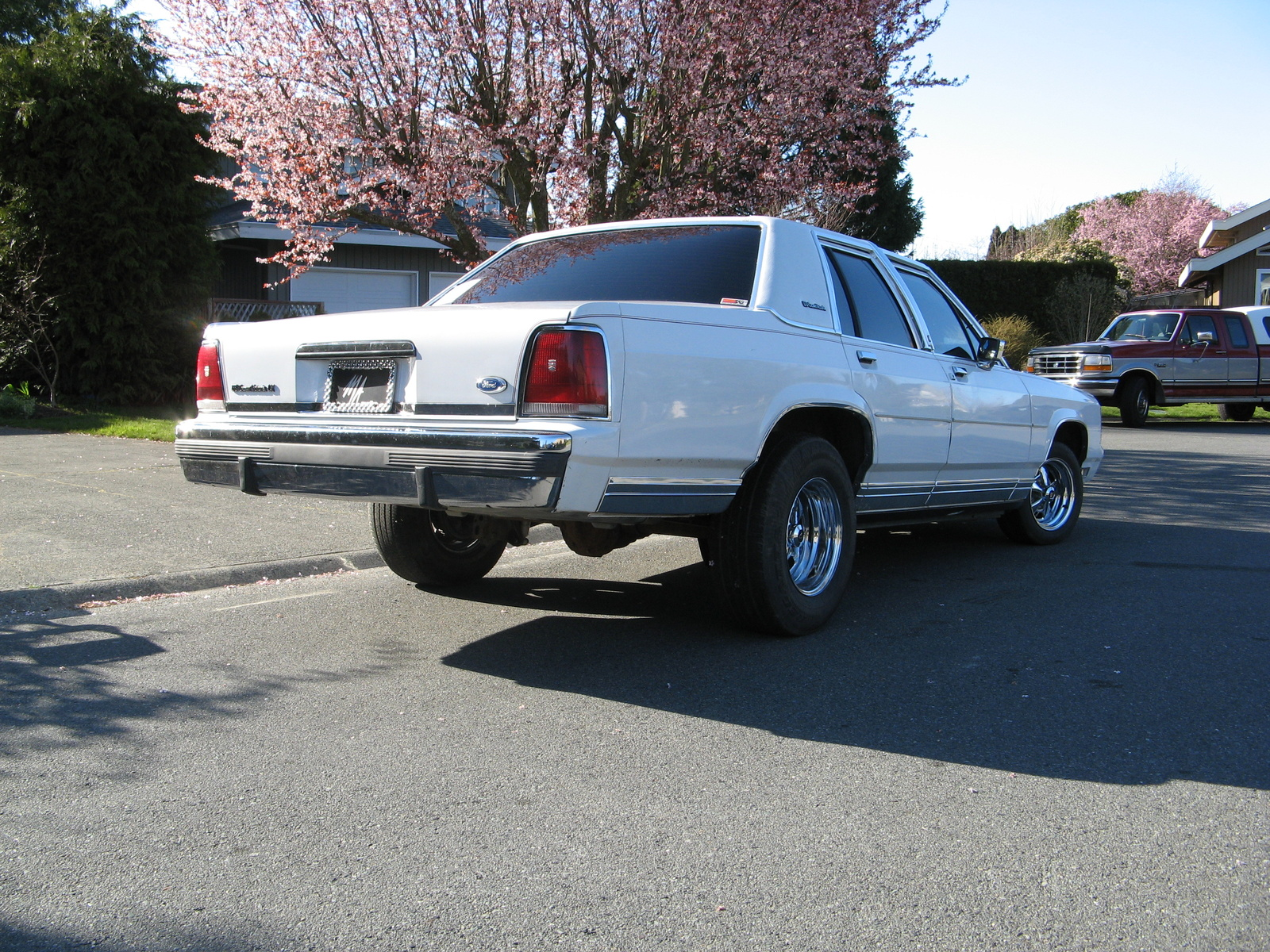 Ford Ltd Crown Victoria Pic