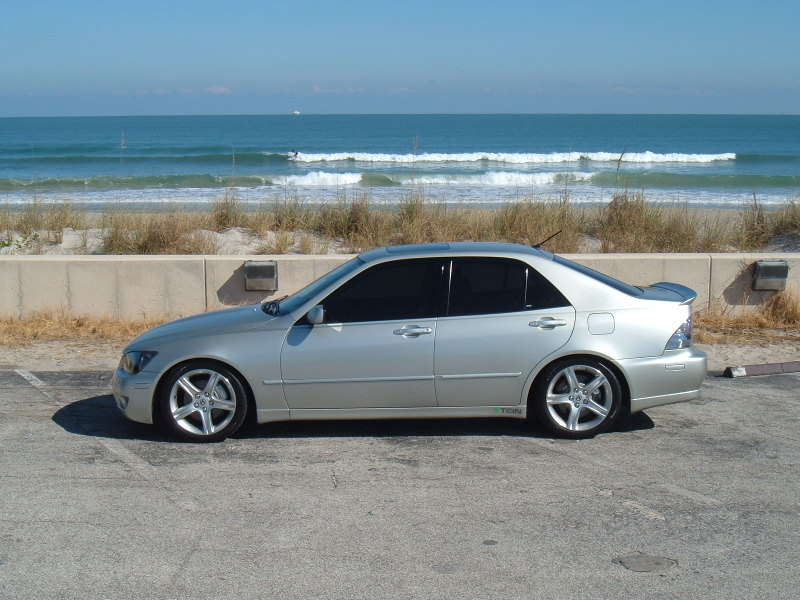2005 Lexus IS 300 5-Speed picture, exterior