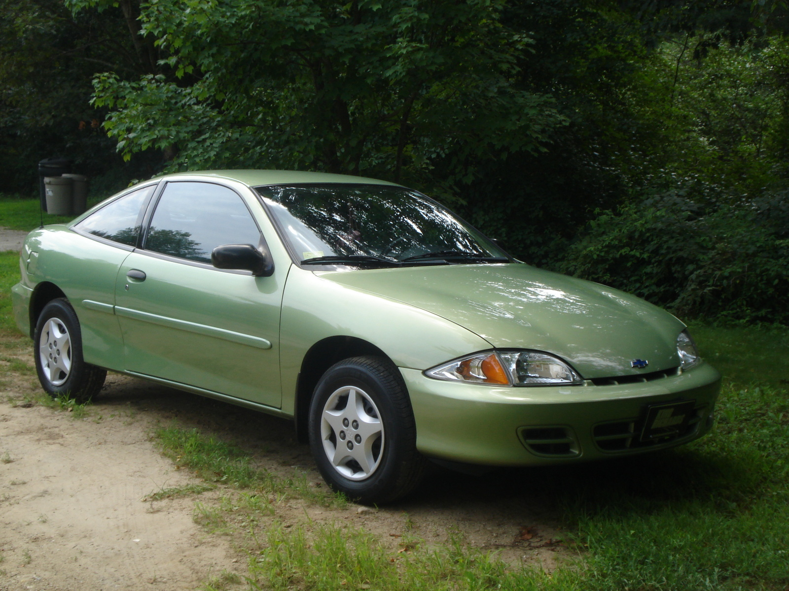 2002 Chevrolet Cavalier Base Coupe picture