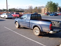2001 Nissan Frontier 2 Dr XE Extended Cab SB picture
