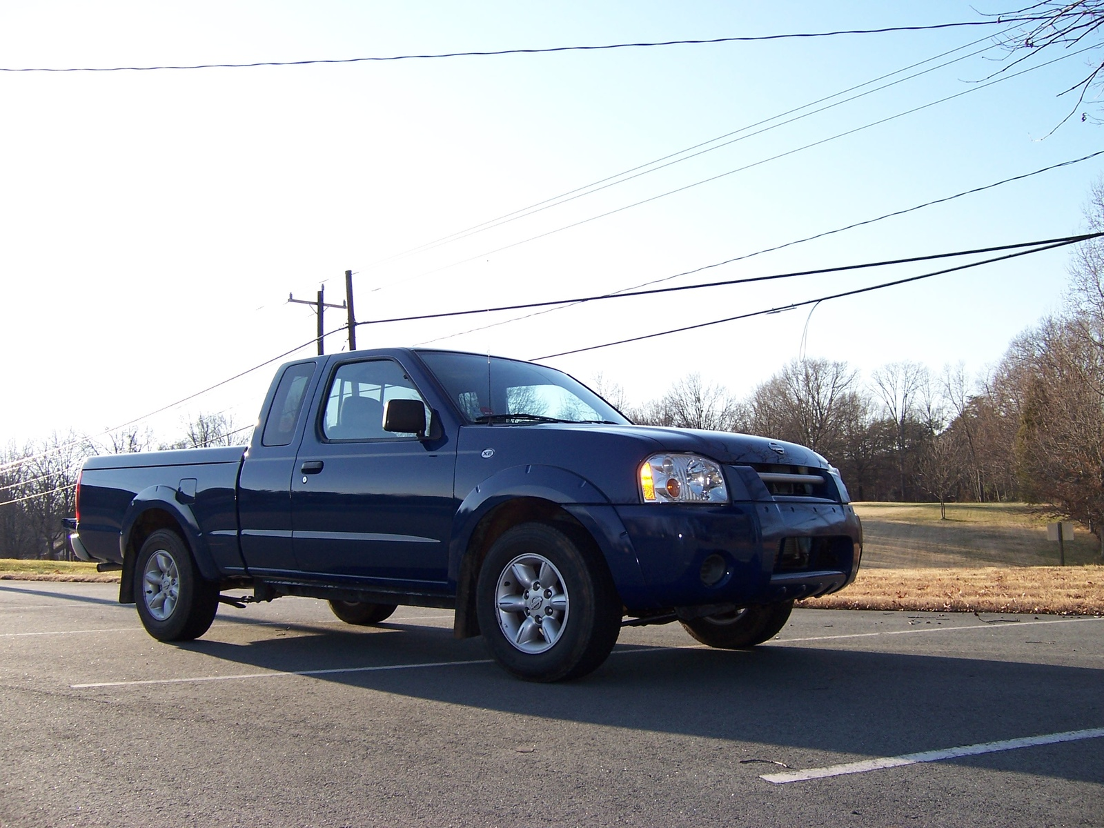 2001 Nissan Frontier 2 Dr XE Extended Cab SB picture, exterior