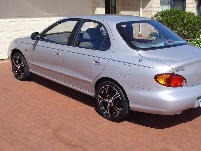 2000 Hyundai Elantra Pictures Cargurus