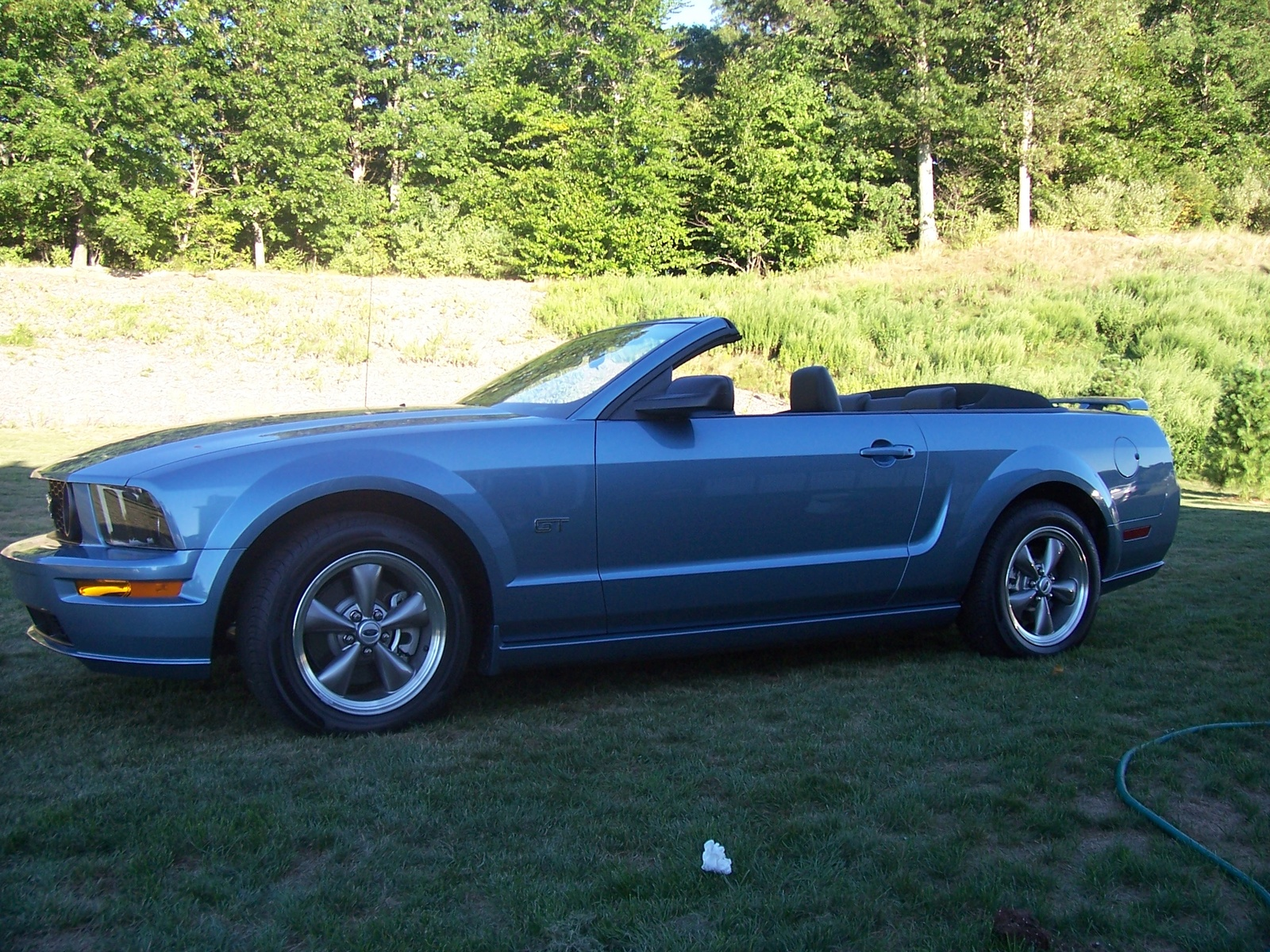 2005 mustang gt convertible price. Black Bedroom Furniture Sets. Home Design Ideas