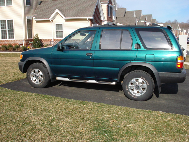 1996 Nissan Pathfinder 4 Dr SE 4WD SUV, Side, exterior, gallery_worthy