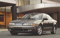 2004 Oldsmobile Alero Overview