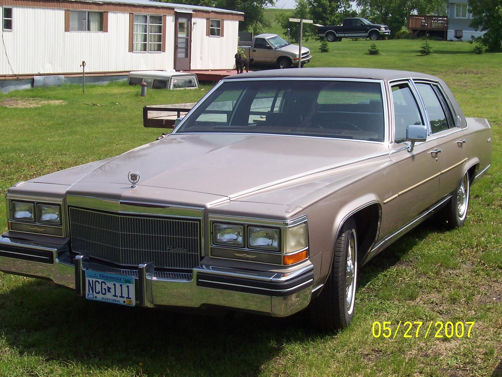 Fleetwood Cadillac 1983