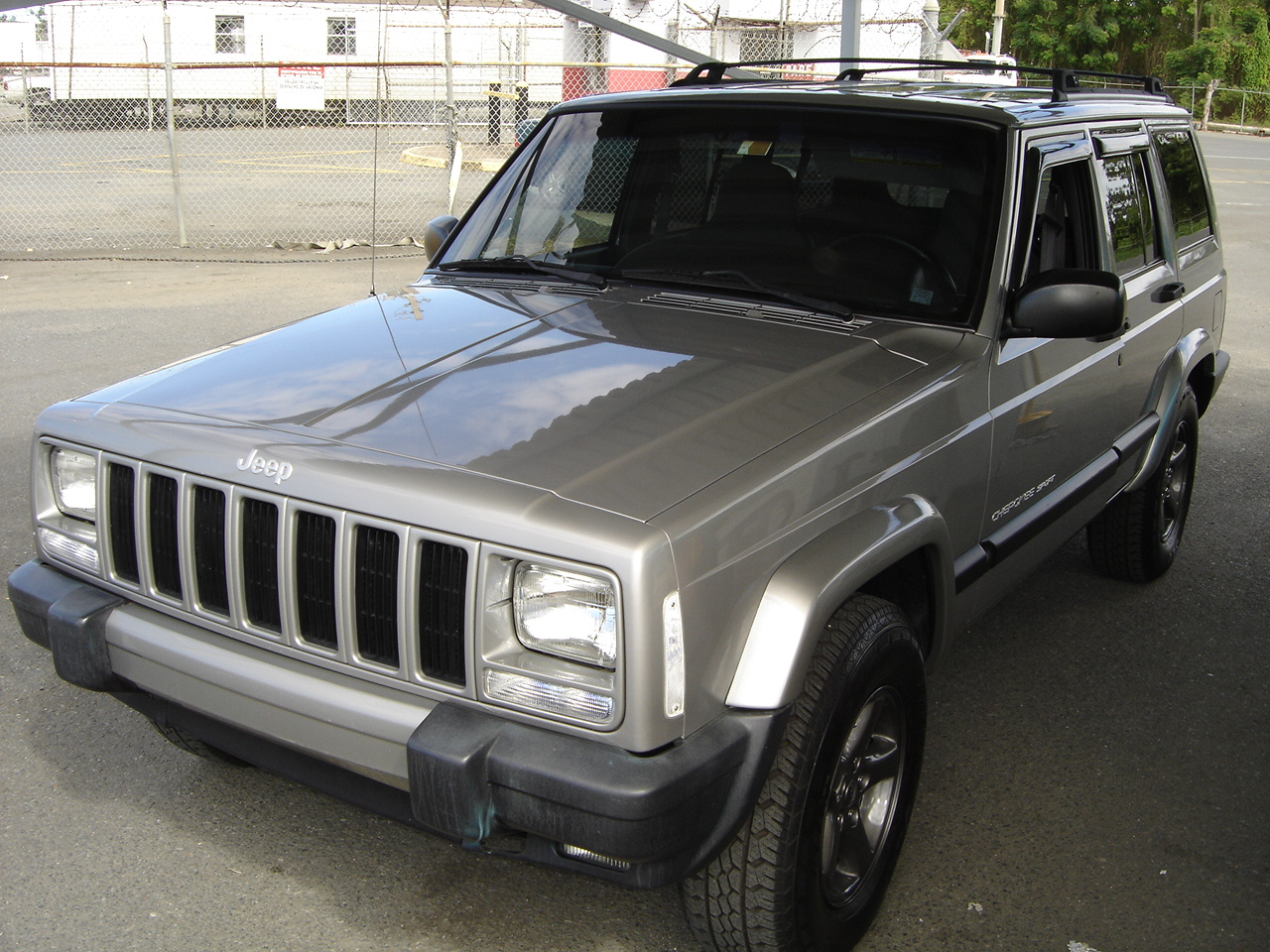 Picture of 1993 Jeep Cherokee