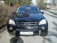 2007 Mercedes-Benz M-Class ML 63 AMG, Mercedes-Benz ML63 AMG 2006 Mätarställning 1221 mil   7-g-tronic automat Navigation Luftfjädring Parctronic Xenon Elöppning/stängning baklucka 1 ägare Svensksåld ...
