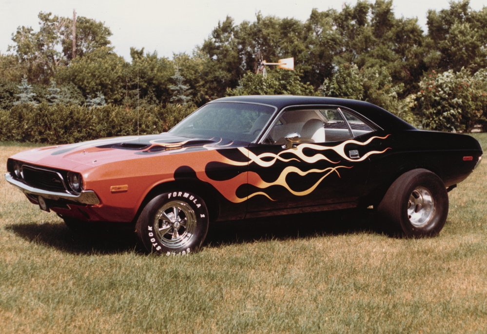 Old School Dodge Challenger - Car Autos Gallery
