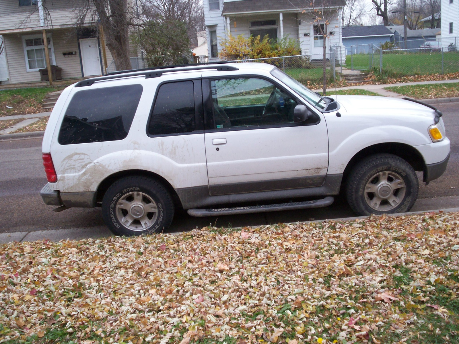 picture of 2003 ford explorer sport 2 dr xlt 4wd suv exterior. Cars Review. Best American Auto & Cars Review
