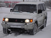 1996 Mitsubishi Montero Overview