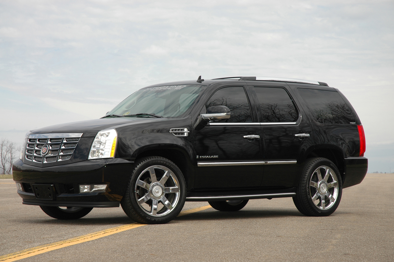 2008 cadillac escalade pictures cargurus. Black Bedroom Furniture Sets. Home Design Ideas