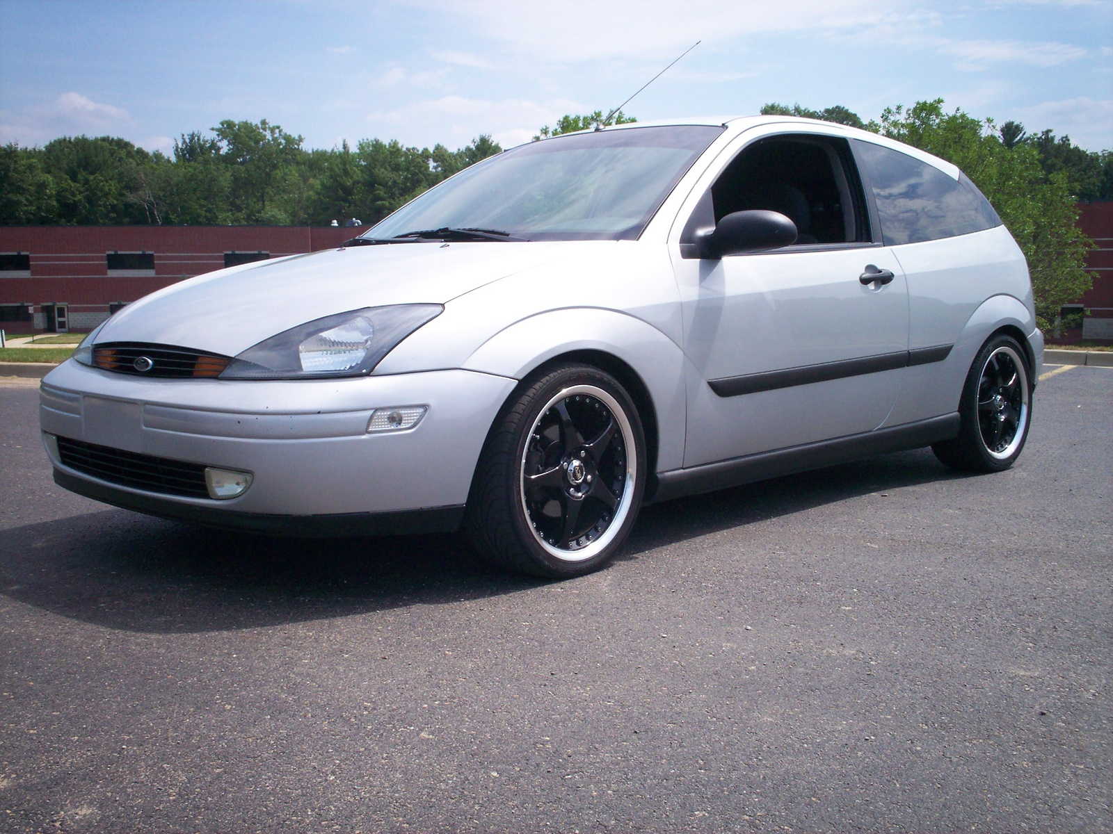 2000 Ford Focus ZX3 picture