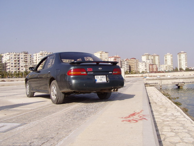 Picture of 1994 Nissan Bluebird