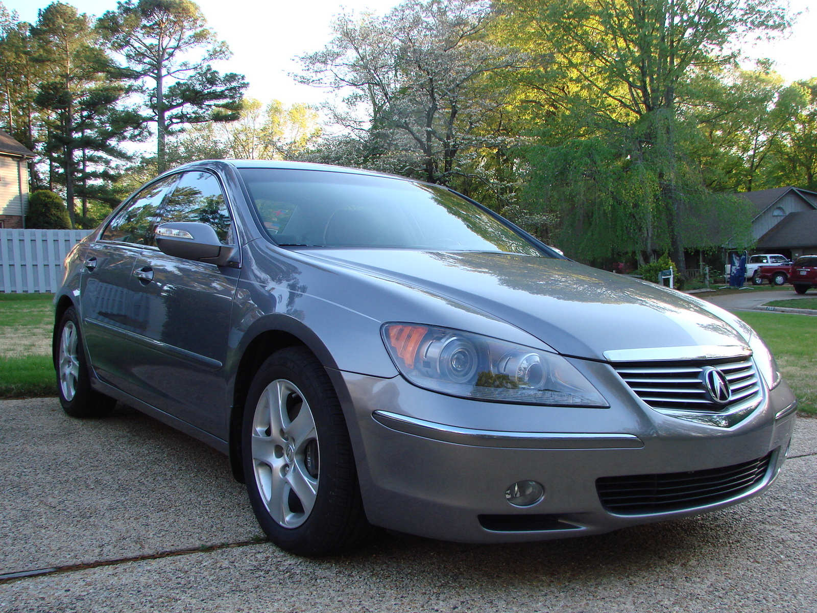 Acura RL Overview CarGurus - Acura rl 2006 for sale