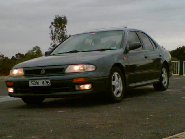 Picture of 1992 Nissan Bluebird