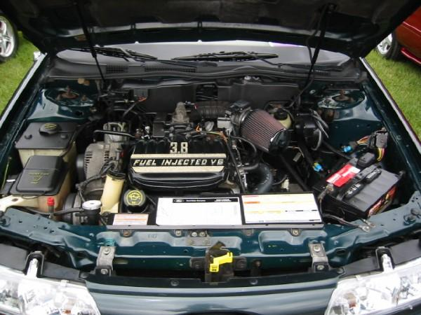 similiar taurus engine removal keywords 2004 mercury mountaineer fuse diagram besides low beam relay 2002 jeep