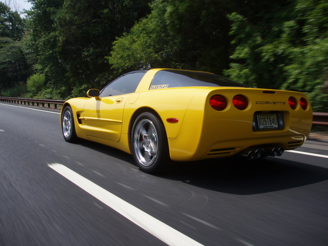 Picture of 2001 Chevrolet Corvette Coupe RWD, exterior, gallery_worthy