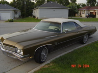 1972 Buick LeSabre, Just a pick back in 04 at my house. This is all stock, I havent done anything to this car yet., exterior