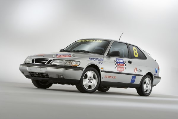 Picture of 1995 Saab 900