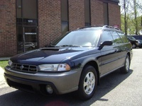 2000 Subaru Outback Overview