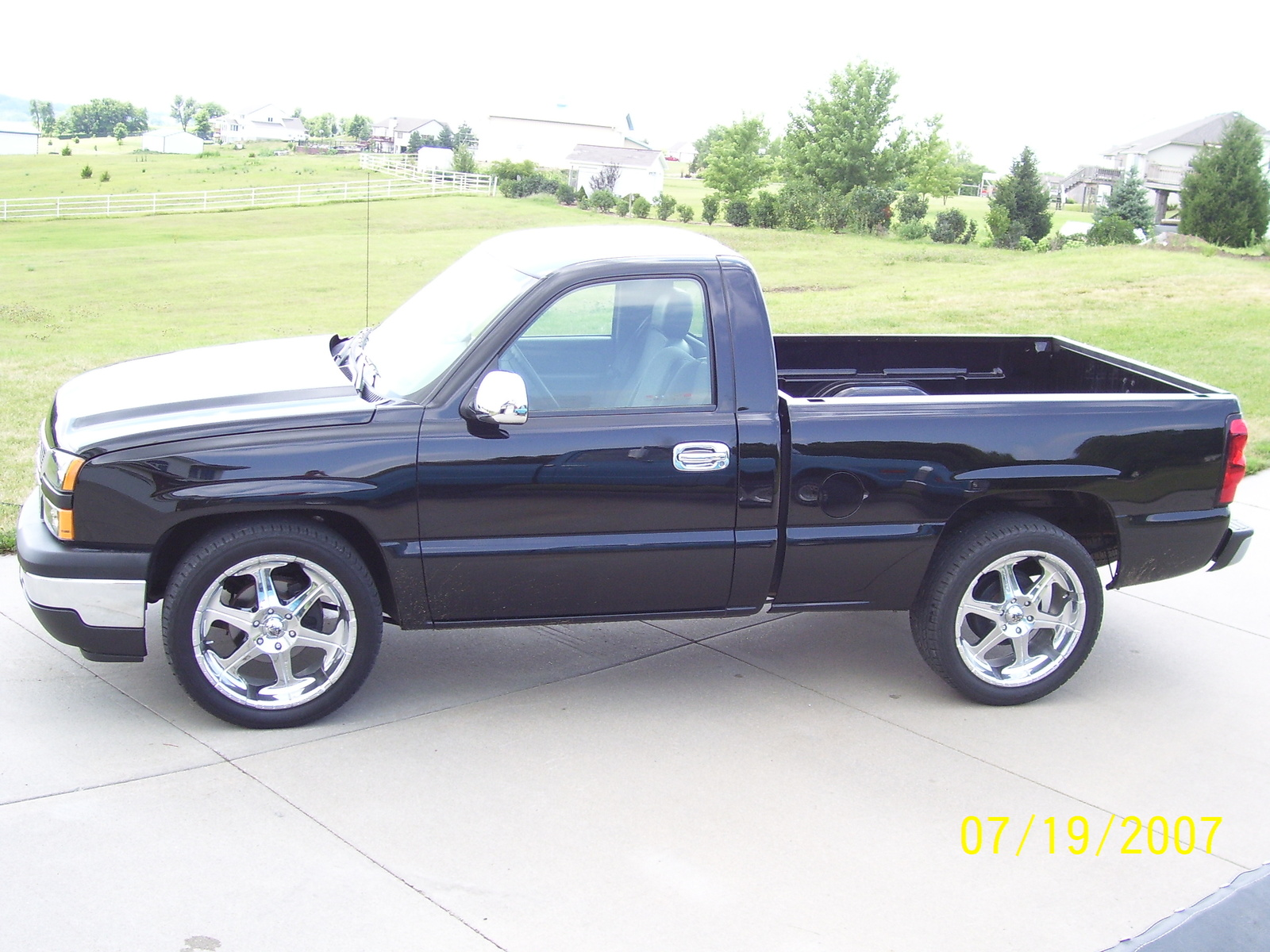 picture of 2007 chevrolet silverado classic 1500 work truck exterior. Cars Review. Best American Auto & Cars Review