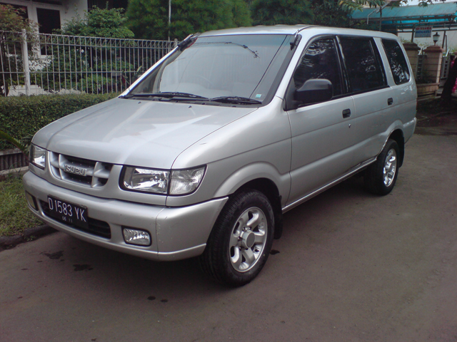 Picture of 2001 Isuzu Panther, exterior