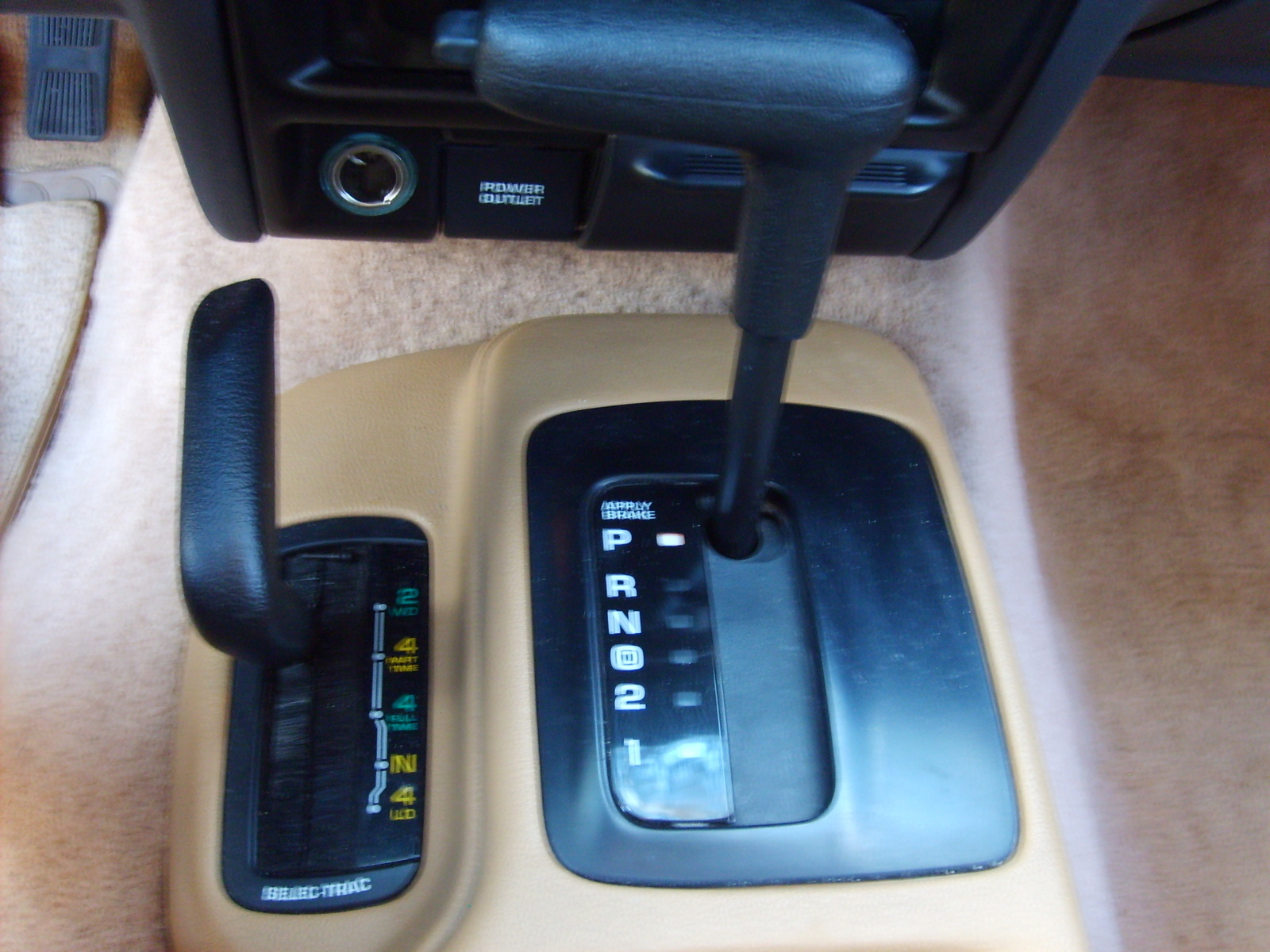 Jeep Grand Cherokee Questions Does It Have 2 Wheel Drive Cargurus 1999 Door