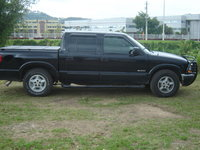 Picture of 2002 Chevrolet S-10 LS Crew Cab 4WD, exterior, gallery_worthy