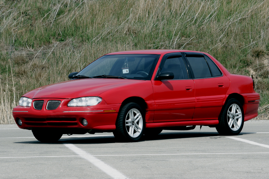 1996 Pontiac Grand Am 4 Dr SE Sedan picture