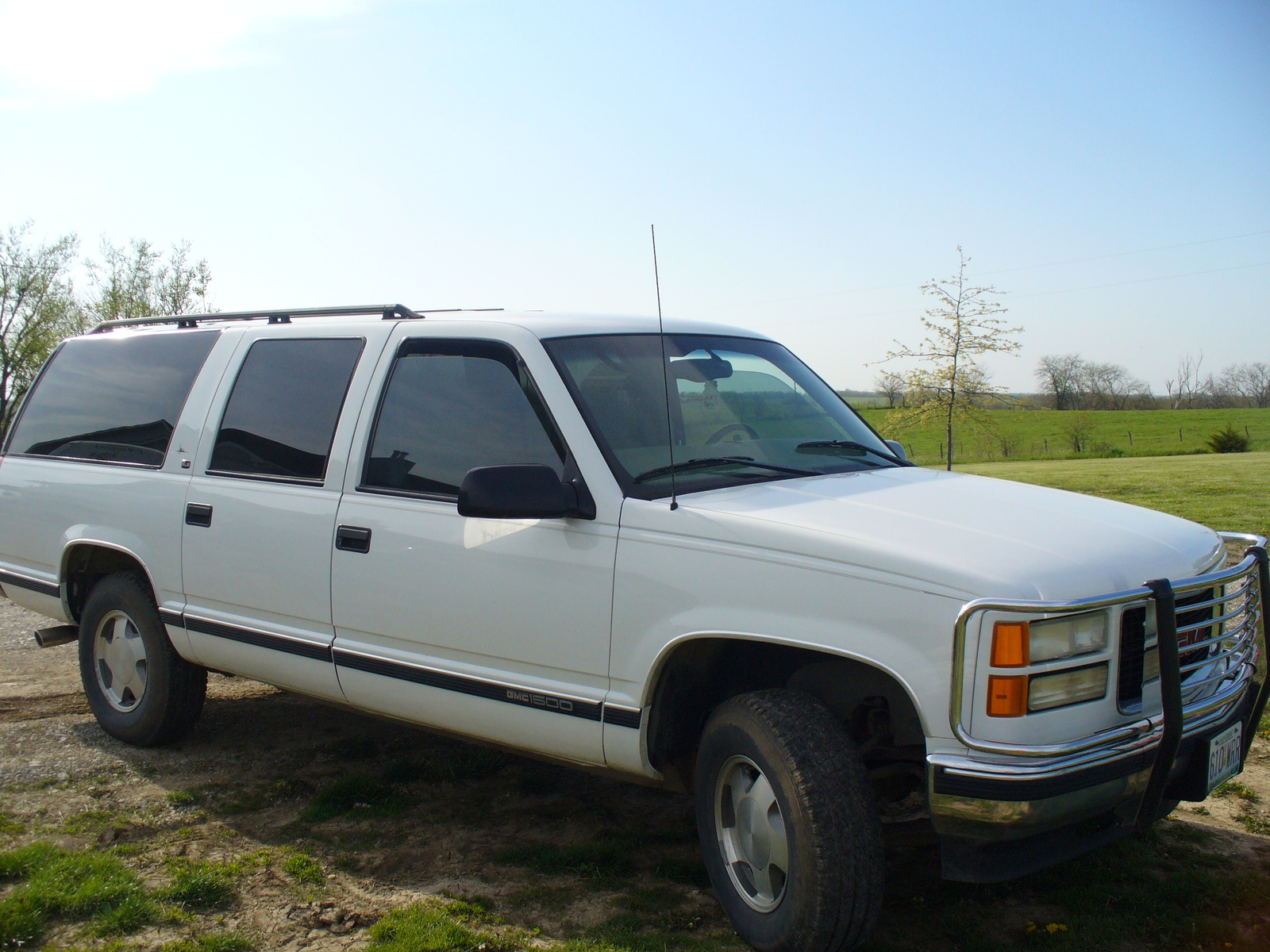 1999 GMC Suburban K1500 SLE 4WD, 1999 GMC Suburban 4 Dr K1500 SLE 4WD SUV picture, exterior