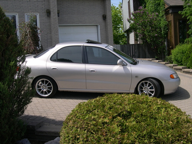 Picture of 1998 Hyundai Elantra