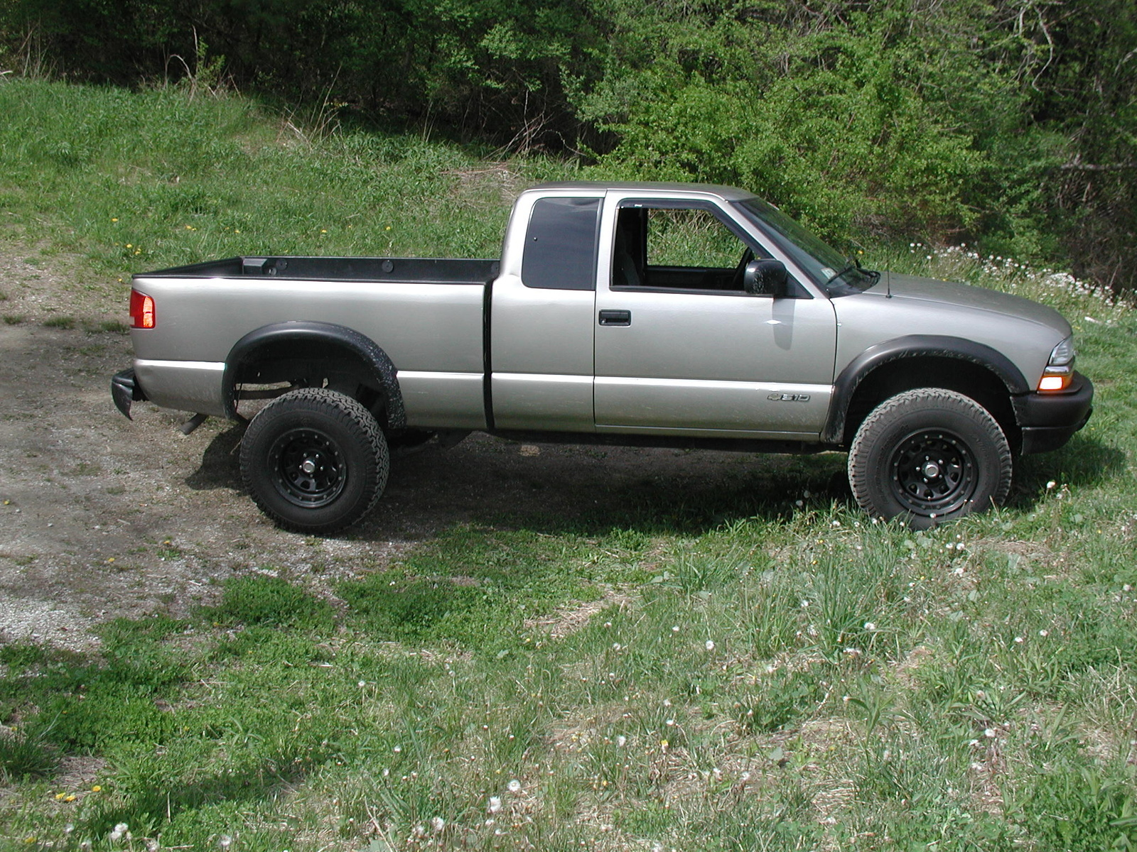 2003s 10 Zr2 Wiring Diagram Circuit Schematic 2003 Chevrolet S10 Gmc S Questions Does My Have The Off Road Package