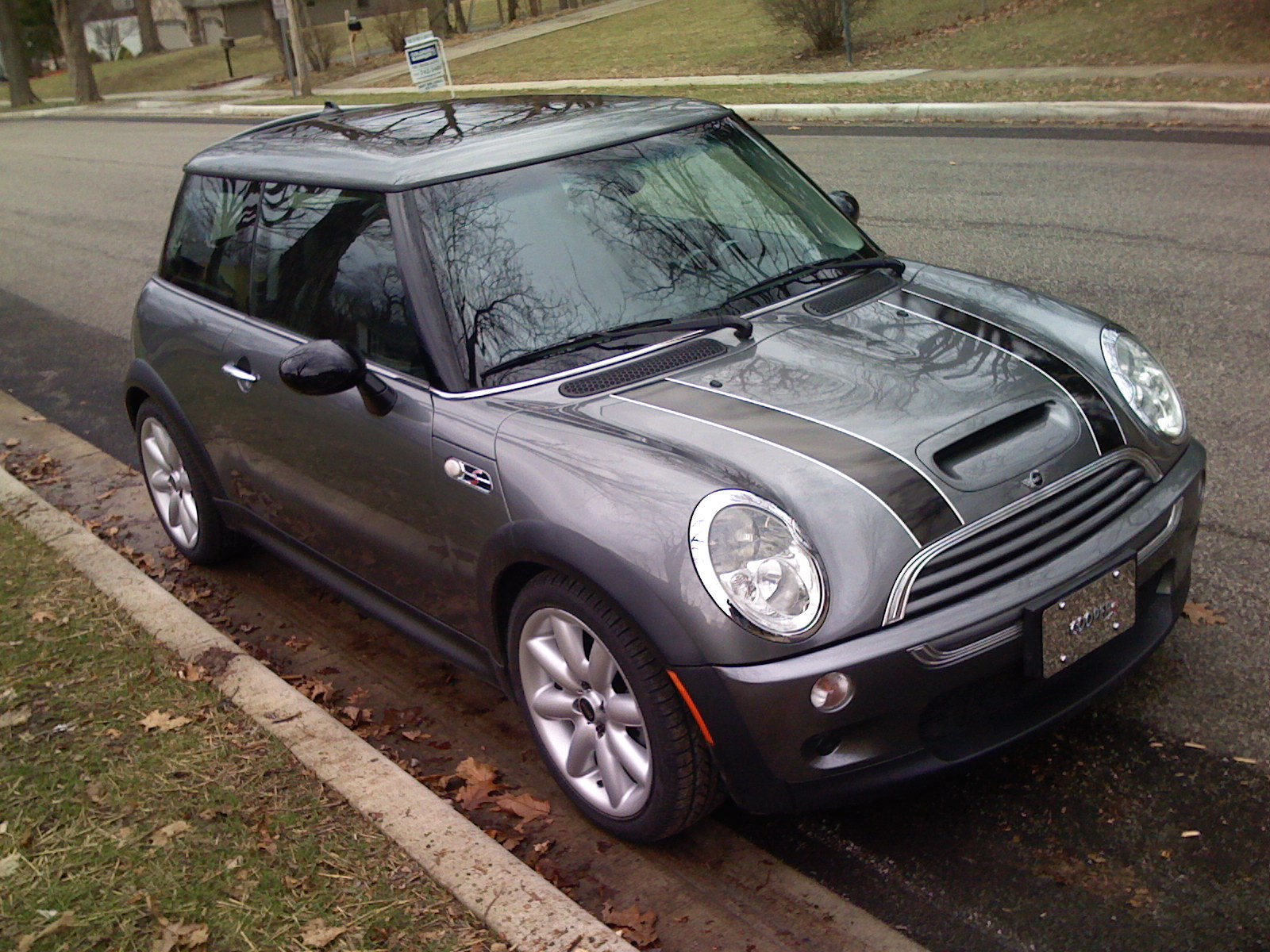 picture of 2004 mini cooper s exterior. Black Bedroom Furniture Sets. Home Design Ideas