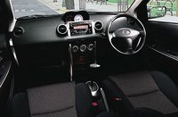 Picture of 2004 Toyota Vitz, interior