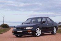1996 Nissan Bluebird Overview