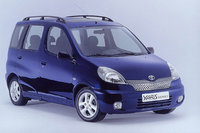 2004 Toyota Yaris Verso Overview